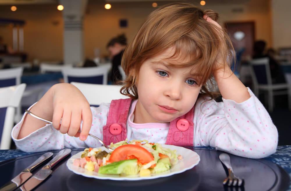 ребенок-не-ест-в-садике