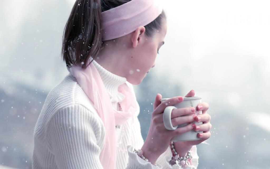 girl-woman-snow-winter-brunette-cup-sweater-1800x2880